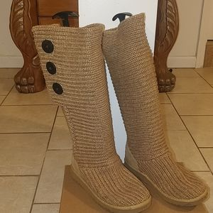 Knitted, tall UGG boot